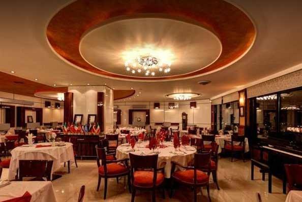 رستوران بین المللی نارنجستان